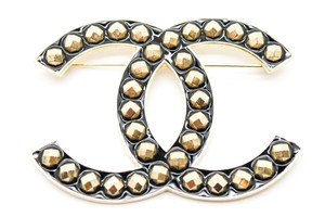 Chanel #9728 XXXL Huge Extra Large stud CC gold Brooch