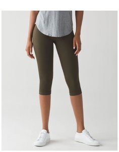 Lululemon NWT Flow & Go Crop Military Green