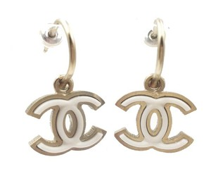 Chanel Chanel Gold CC White Pop Up Piercing Earrings