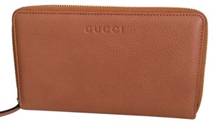 Gucci leather wallet come with box