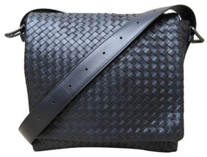 Bottega Veneta Bv Intrecciato Messenger Cross Body Bag