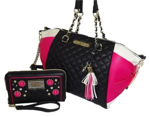Betsey Johnson Black/Fuchsia Top Zip Closure Oversized Wallet Tote in BLACK /FUCHSIA
