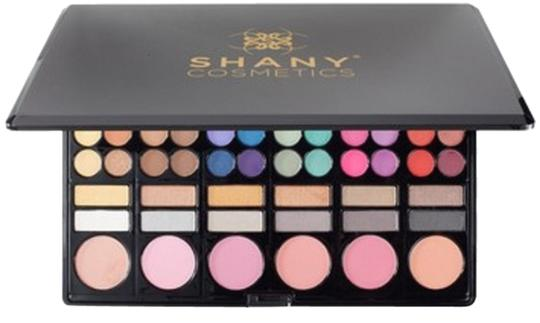 Preload https://item1.tradesy.com/images/professional-78-color-eyeshadow-makeup-kit-palette-new-2034840-0-0.jpg?width=440&height=440