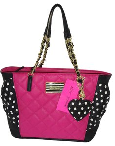 Betsey Johnson Tote in BLACK /FUCHSIA
