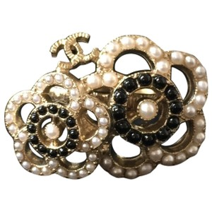 Chanel CHANEL Authenticated NEW IN BOX Camellia Pearl Ring 6