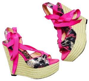 Betsey Johnson Heels Ties Pink Pumps