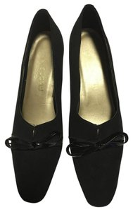 California Magdesians Patent Leather Fabric Bow Black Pumps