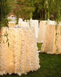 4 White Petal Leaf Cocktail Or Round Tablecloths - 120