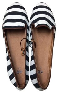 H&M Black/white striped Flats