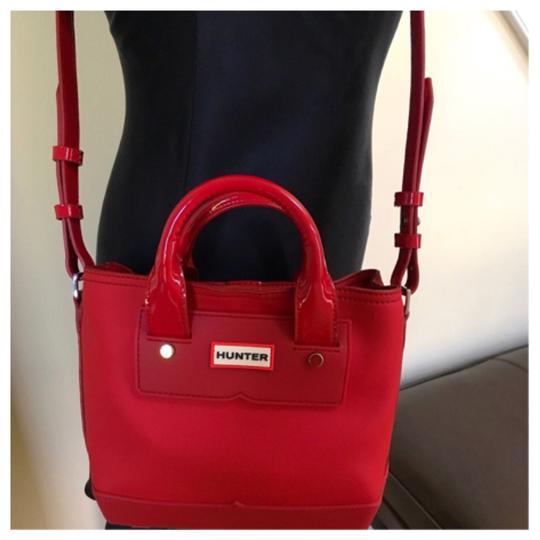 Hunter Tote in Red Image 6