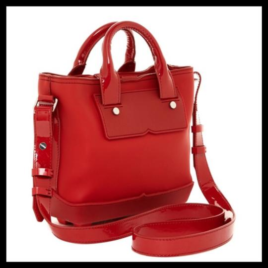 Hunter Tote in Red Image 7