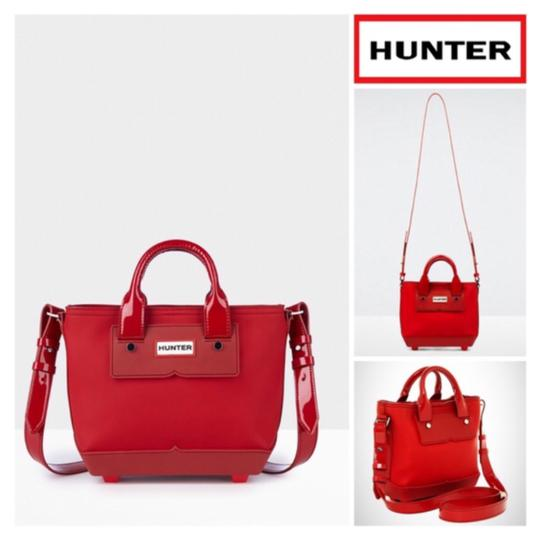 Hunter Tote in Red Image 8