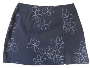 Express White Flowers Mini Skirt Black