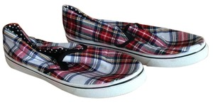 Wet Seal red/green plaid Flats