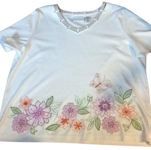 Alfred Dunner Top white with colored flowers