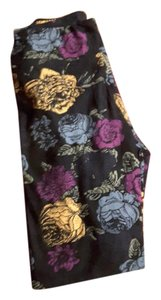 LuLaRoe Black with roses Leggings