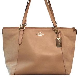 Coach Tote in Beechwood