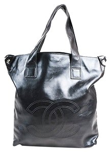 Chanel Leather Cc Stitched Soft Edgy Tote in Black