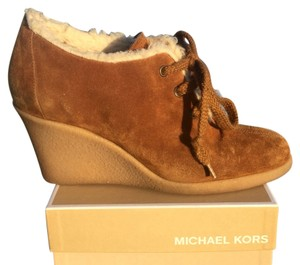 Michael Kors Mk Wedge Shearling Suede Brown Tan White Boots