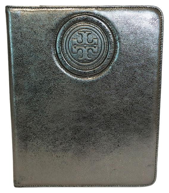 Item - Gunmetal Silver T Double-t Stacked Logo Metallic Leather Ipad 2 Case Tech Accessory
