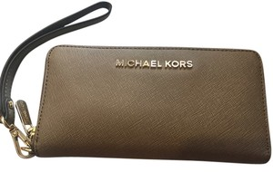 Michael Kors Wristlet in Grey/Beige