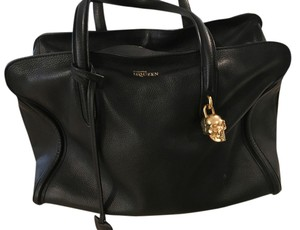 Alexander McQueen Blk Leather Skull Classic Timeless Shoulder Bag