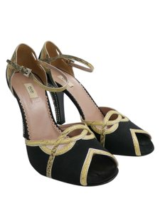 Prada Heels Hels Black Gold Pumps