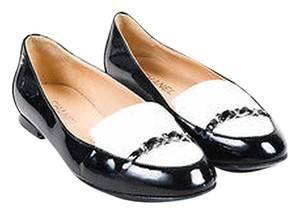 Chanel White Patent Leather Silver Tone Chain Link Cc Loafers Black Flats