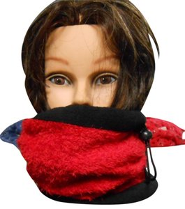Umo Lorenzo 2 in One Winter Hat / Neck Warmer. By Umo Lorenzo