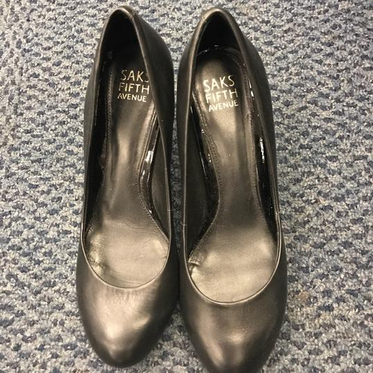 16635ce1fab0 Saks Fifth Avenue Black Classic Leather Pumps Size US 7 Regular (M ...