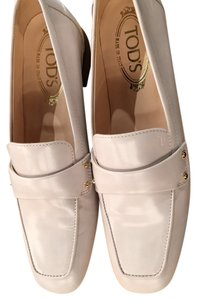 Tods ivory loafer 38.5 NIB Ivory Flats
