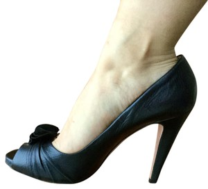 Prada Metallic gray/black Pumps