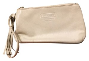 Coach Wristlet in pale beige