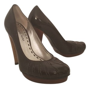 Gianni Bini Brown Pumps