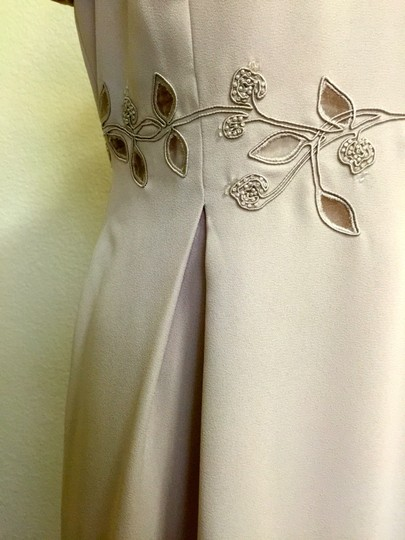 Maggy London Beige Full Length Formal Bridesmaid/Mob Dress Size 12 (L)