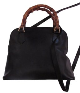 Gucci Removable Strap Excellent Vintage Two-way Style Restored Lining Satchel in black leather with bamboo accents