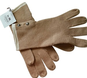 Coach BRAND NEW Heritage Gloves in Camel/Ivory