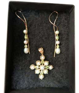Other 10k Peridot & Pearl Earrings With Matching Pendant