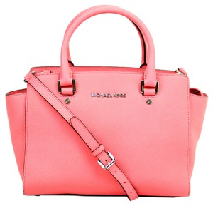 Michael Kors Micheal Tote in Pink