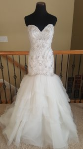 Val Stefani D8085 Paolina Wedding Dress