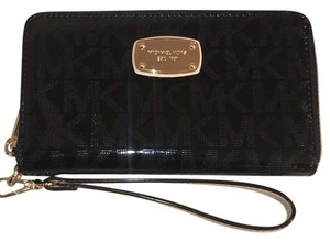 Michael Kors NWT Multifunctional Phone/Jet Set 356MELZ3Z