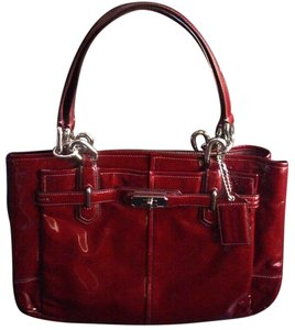 Coach Stylish Rare Glossy Patent Leather Shiny Shoulder Bag