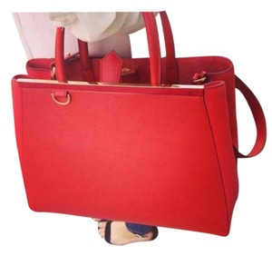 Fendi #leather Tote in Red
