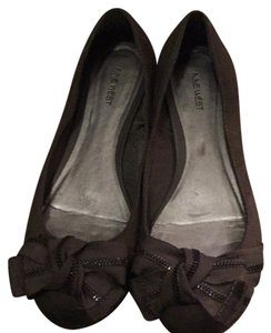 Nine West gray suede Flats