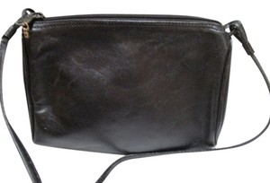 Giani Bernini Crossbody. Leather Cross Body Bag