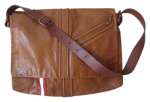 Bally Nwt Leather Cognac Messenger Bag