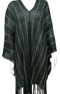 BCBGMAXAZRIA Metallic Accents Crochet Cape
