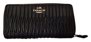 Coach Coach Gathered Twist Leather Accordion Zip Wallet Black
