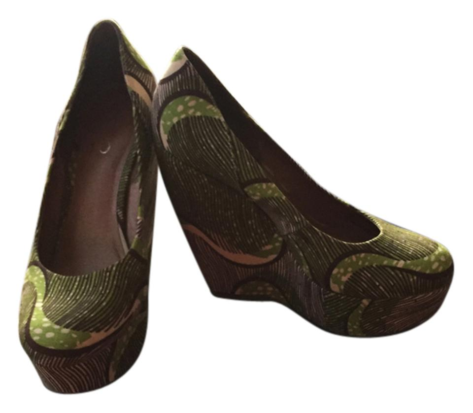 f3a9bc7babad ALDO Green Motif Forwood Wedges Platforms. Size  US 8 Regular (M ...