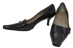Kenneth Cole Black Pumps